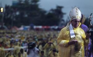 Pope_Francis_Tacloban_1