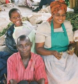 KampalaFamily-255x275 Wiki_PublicDomain_
